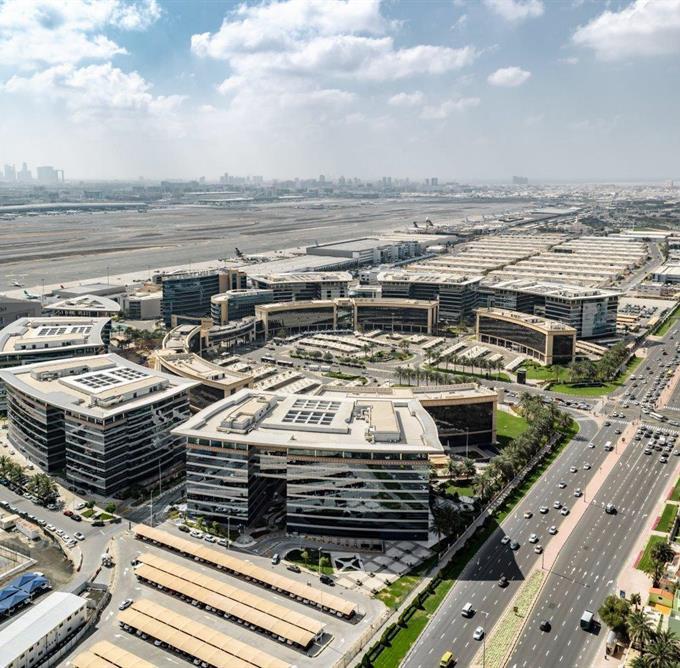 صاحب السمو الشيخ محمد بن راشد آل مكتوم - محمد بن راشد يصدر قانوناً بإنشاء سُلطة دبي للمناطق الاقتصادية المتكاملة
